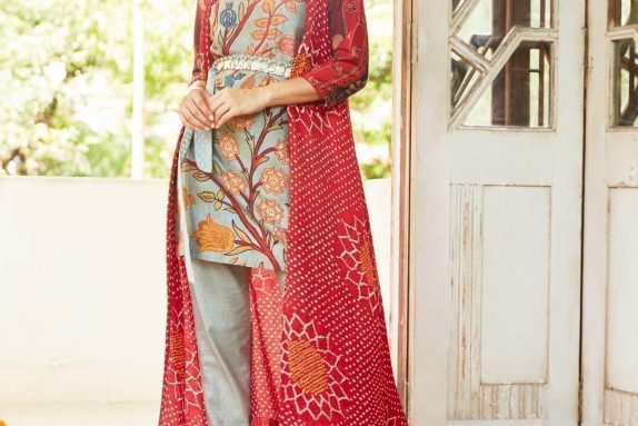 Bandhani Cape with Kurta & Pants