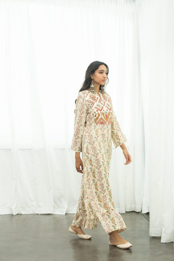 Off White Georgette Kurta - Pallazo
